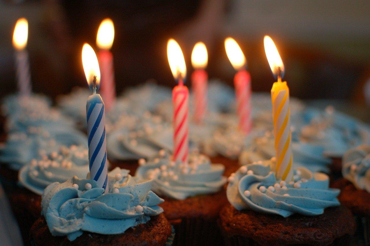 birthday cake 380178 1280 - Location de salles