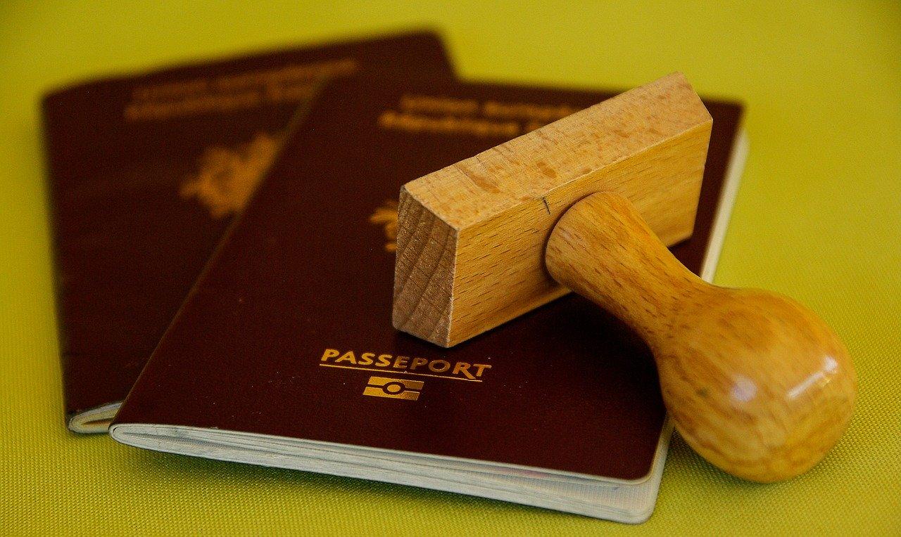 buffer 1143485 1280 - Titre d'identité : carte d'identité et passeport