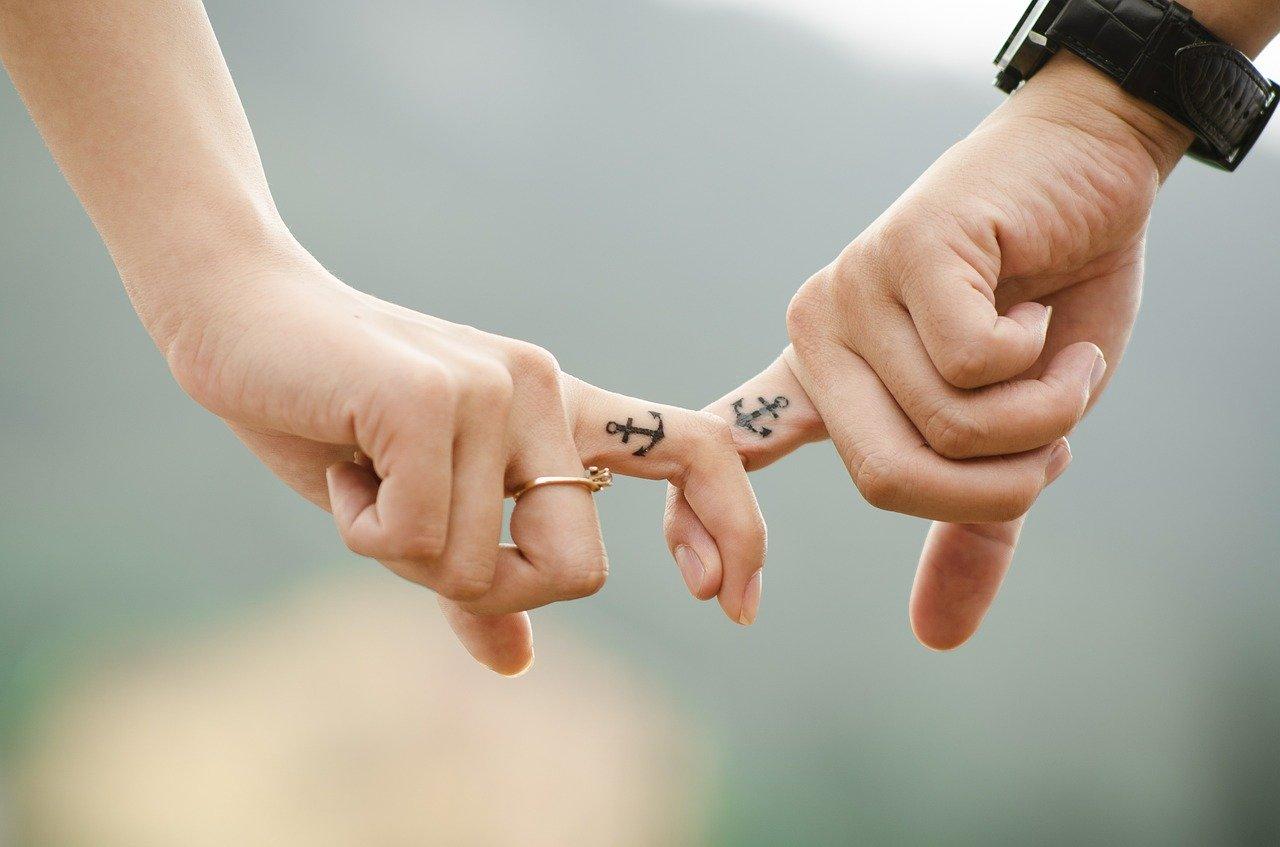 hands 437968 1280 - Mariage et PACS